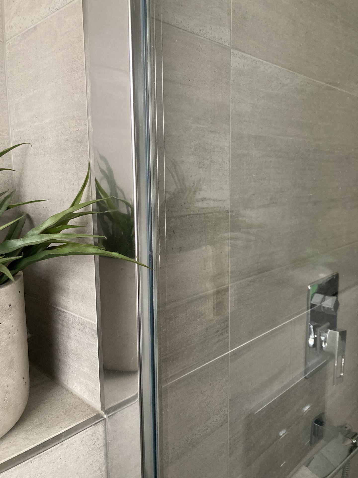 Pro @zinzin řešení soklu a sprchového koutu. - Obrázek č. 2