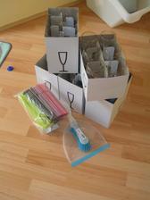 IKEA nákup skleniček, brček a smetáčku :-)