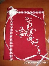 Kniha do které nám naši hosté napíšou vzkazíky, přání atd... vlastní výroba;)
