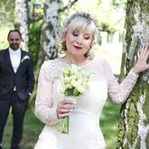 Tuto krásnou retro nevěstu jsem pouze líčila, účes není ode mě.