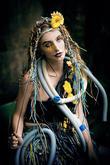 Modelka: Mája Zunová Vlasy: Jan Rybář Hair Studio & Gallery Make-Up: Lucie Hromádková - Make-up & Hair Floristka: Barbora Dürschmidová Foto: Kateřina Nevřelová Fotoblog