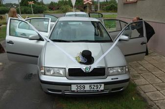 Auto pro ženicha.