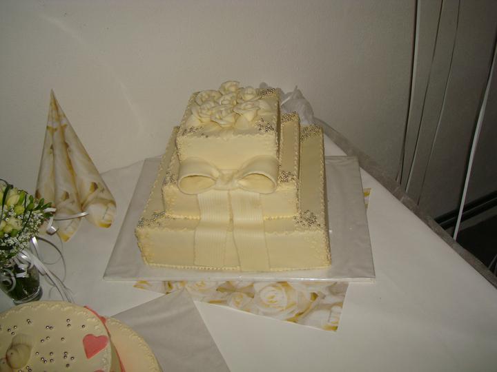 Lucia Čeryová{{_AND_}}Jozef Gálik - hlavná svadobná torta