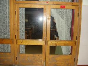 dvere do miestnosti