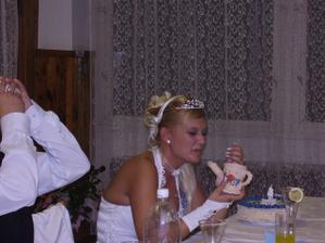 búda zo strany starejšího, môj drahý mal prsia, museli sme vypiť do dna víno