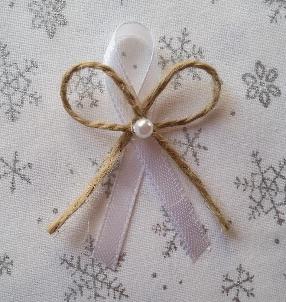 Přírodní bílý svatební vývazek - Obrázek č. 1
