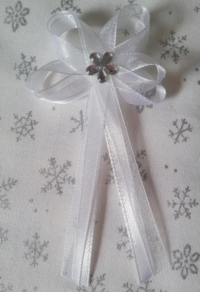 Bílý svatební vývazek pro svědky - Obrázek č. 1