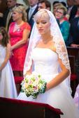 Svatební bílé šaty se spodničkou a krajkový závoj, 36