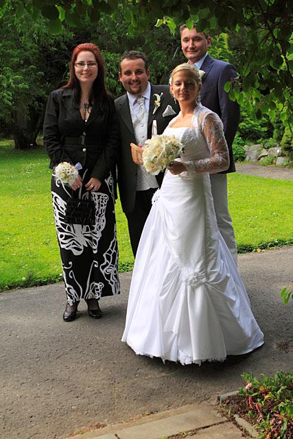 ...detaily svadby snov... - so svedkami tesne pred ...