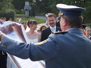 vyhlásenie rozkazu o ustanovení do funkcie manželka