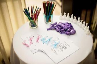 prekvapko pre deti :) svadobné omaľovánky, balóny, bublifuky
