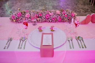 takisto na výzdobu stola a sály, gypsomilky a ruže - jemné a romantické :)