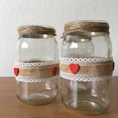 Vázy zo zaváraninových pohárov,