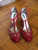 Červené topánky aj na redový tanec, 39