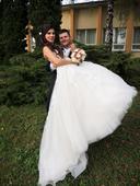 romantické svadobné šaty s vlečkou , 36