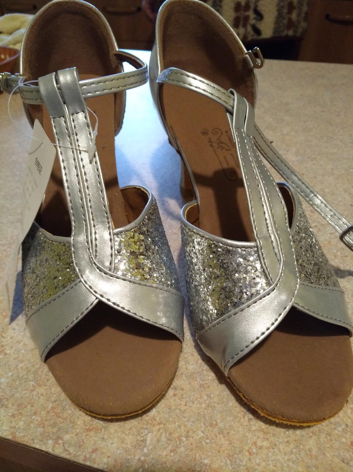 Strieborne sandalky - Obrázok č. 3