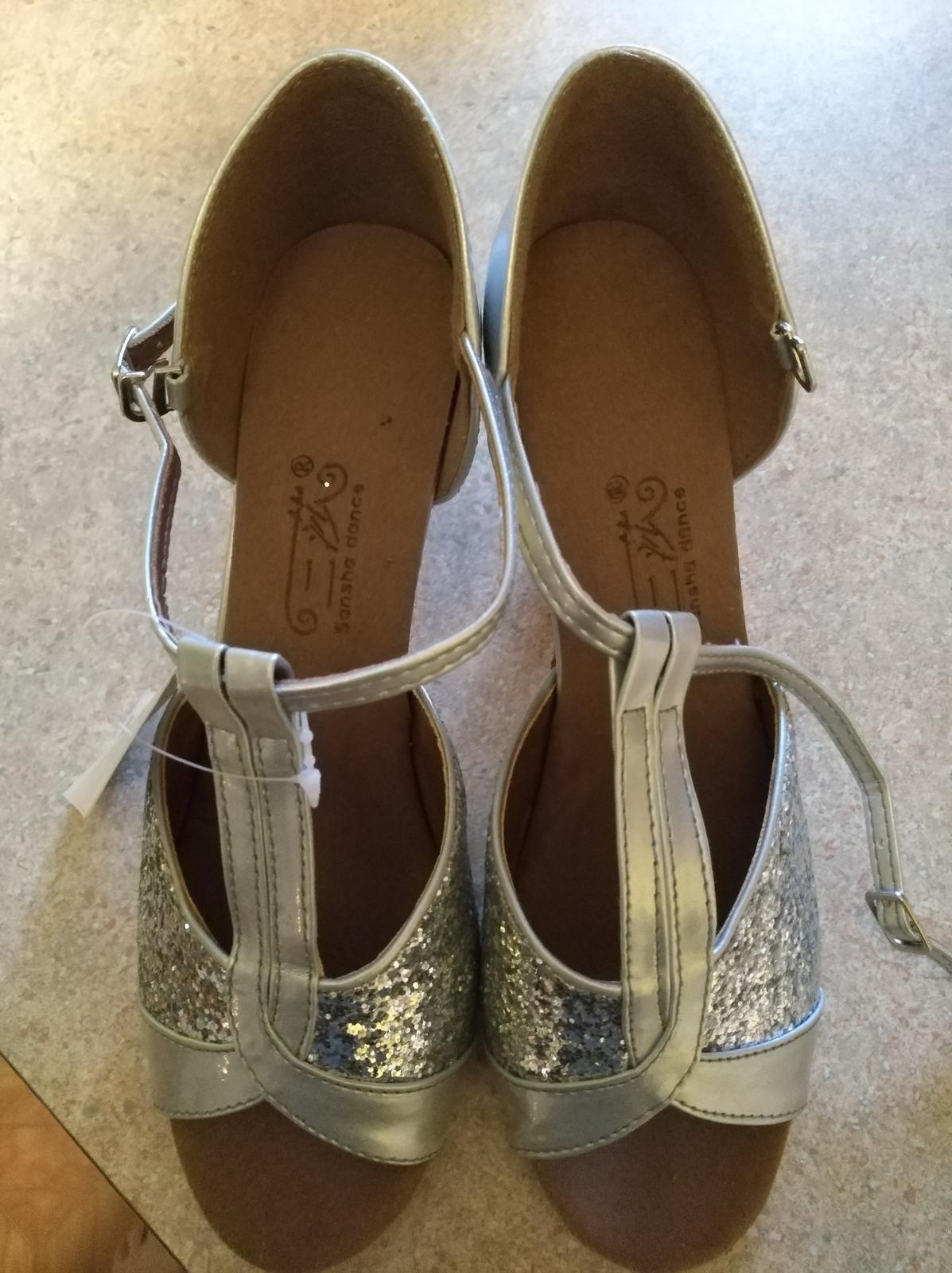 Strieborne sandalky - Obrázok č. 4