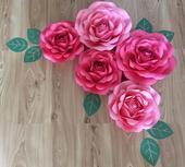 Papierové kvety z mäkkého aj tvrdého papiera,