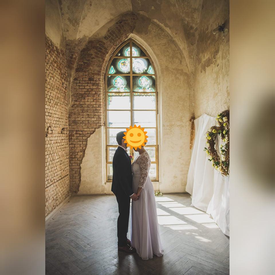 Krajkové svatební šaty - Obrázek č. 4