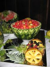 ovocna dekoration-nesmie to v lete chybat.mnam