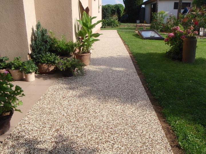 Kamienkový chodníček - CHS EPODUR STONE - široké možnosti designov a tvarov - Harmónia prírodných farieb a materiálov v záhrade...