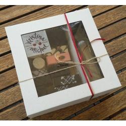 Krabica s okienkom 28x28x10cm (1ks) - Obrázok č. 1