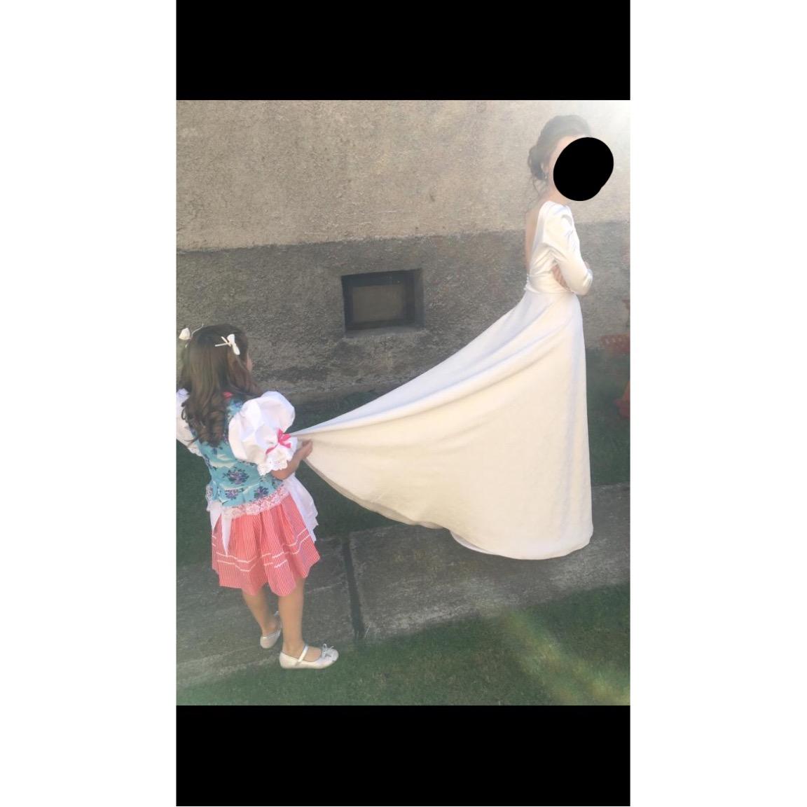 Svadobné jemné šaty - Obrázok č. 2