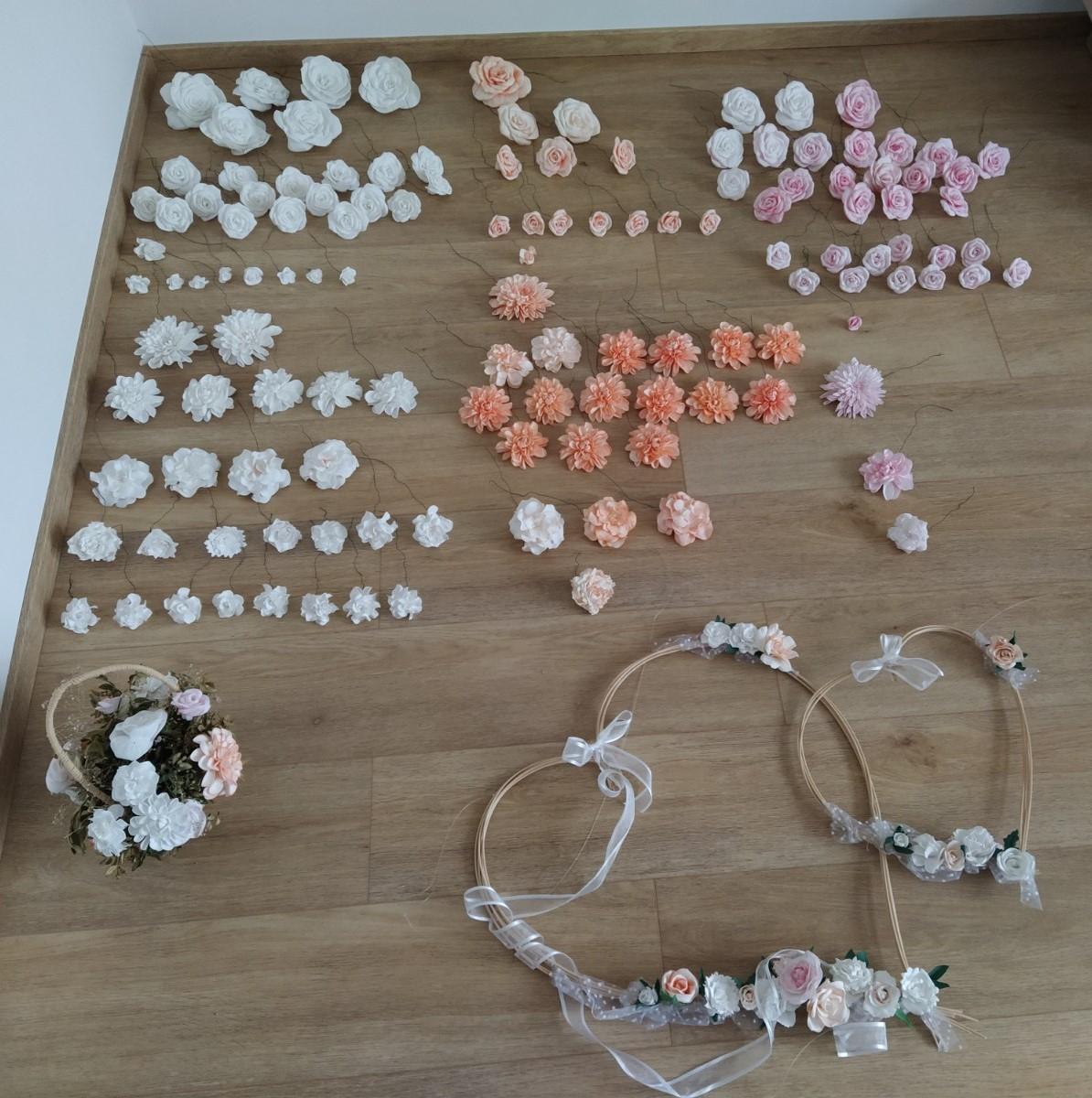 Kompletní sada svatebních dekorací s květy - Obrázek č. 1