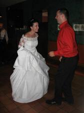 tany, tany - novomanželé, ale šaty byly moc dlouhé