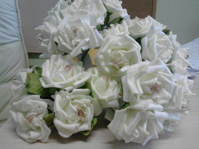 Our wedding day 10.4.2010 - ruže na výzdobu