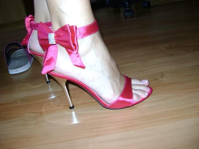 Peťka a Tonko 5.9.2009 :) - topánočky k šatám po prezlečení