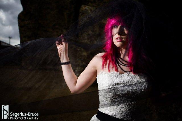 Same krasne veci :) - krasna nevesta...ale manzelik by z takych vlasov asi zdivel :D