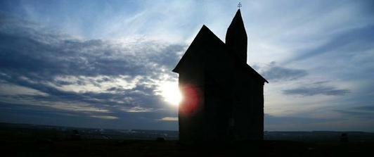 a teraz, niekolko krat moja srdcovka: romansky kostolik v Drazovciach <3