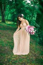 Šaty č.4 týden před svatbou koupené v obchodě a nakonec poslední :-D