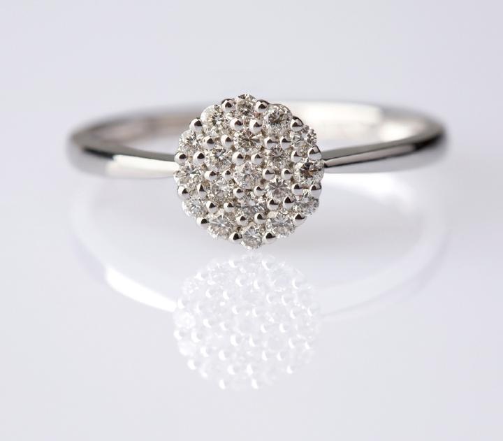 Ivana{{_AND_}}Jakub - Detail mého zásnubního prstenu (i love it)