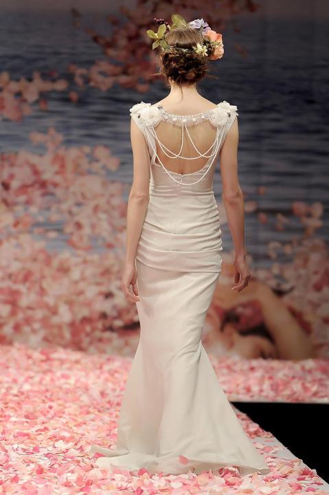 Svatební šaty od Claire Pettibone - Obrázek č. 25