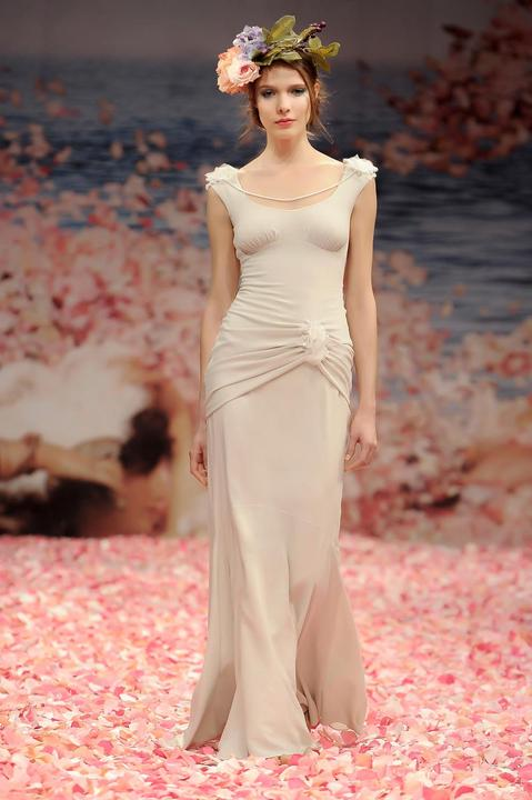 Svatební šaty od Claire Pettibone - Obrázek č. 26