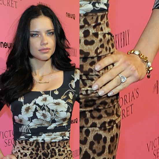 Slavné zásnubní prsteny - Adriana Lima