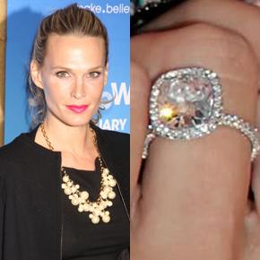 Slavné zásnubní prsteny - Molly Sims