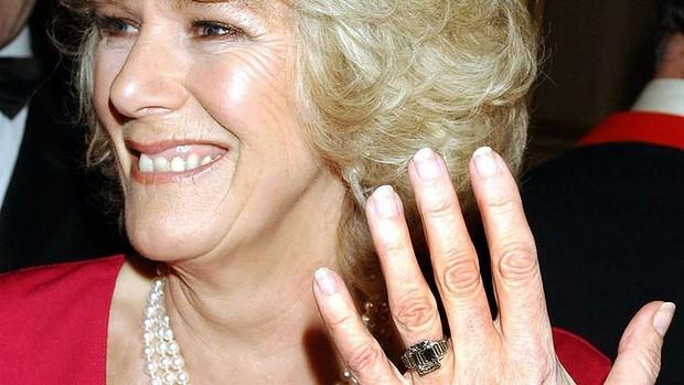 Slavné zásnubní prsteny - Camilla, vévodkyně z Cornwallu