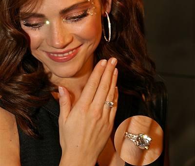 Slavné zásnubní prsteny - Andrea Verešová