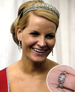 Slavné zásnubní prsteny - Korunní princezna Mette-Marit Norská