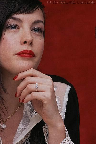 Slavné zásnubní prsteny - Liv Tyler