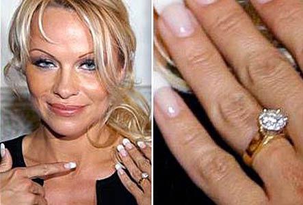 Slavné zásnubní prsteny - Pamela Anderson