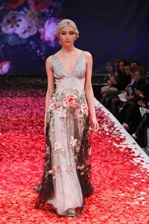Svatební šaty od Claire Pettibone - Obrázek č. 1