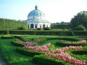 to budou krásný fotečky...Květná zahrada...
