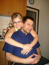 """a tohle je moje """"malá""""sestřička-svědkyně s mým nastávajícím na Silvestra 2006"""