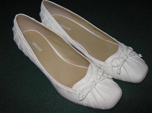 Co uz mame - moje topanky, keby ma zo svadobnych boleli labky