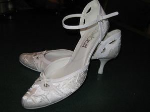 A ešte topánočky z iného uhla. Konečne som ich zohnala a sú úplne úžasné.