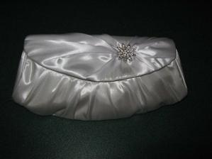 krasna, biela, nova kabelka